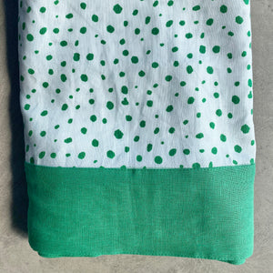 Pebble Tablecloth in Green