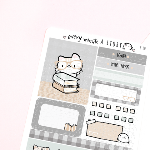 Nerdy Kitty Kyu-to Beanie Monthlies Kit- LOW STOCK!