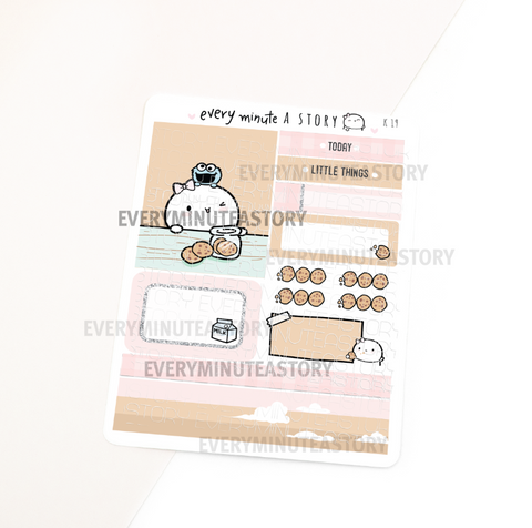Cookie lover Kyu-to Beanie Monthlies Kit