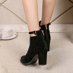 Buckle up High Heeled Boots - roshanthy