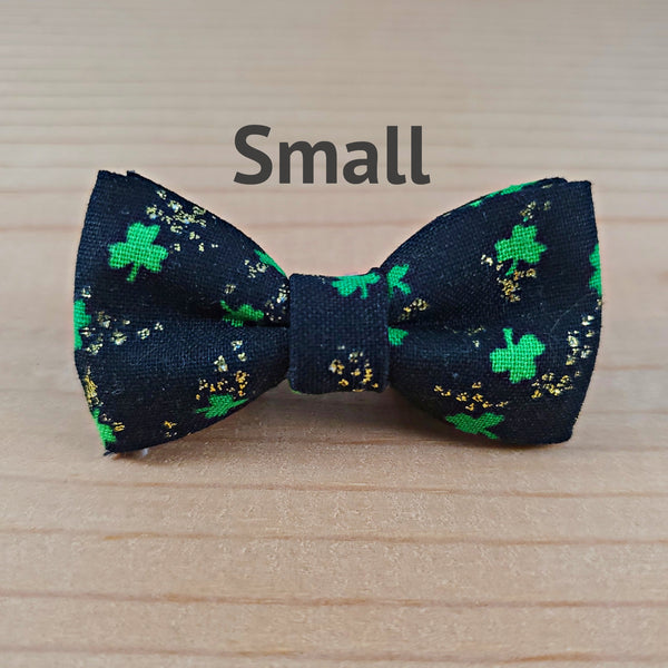 St. Patrick Small Gold Shamrocks
