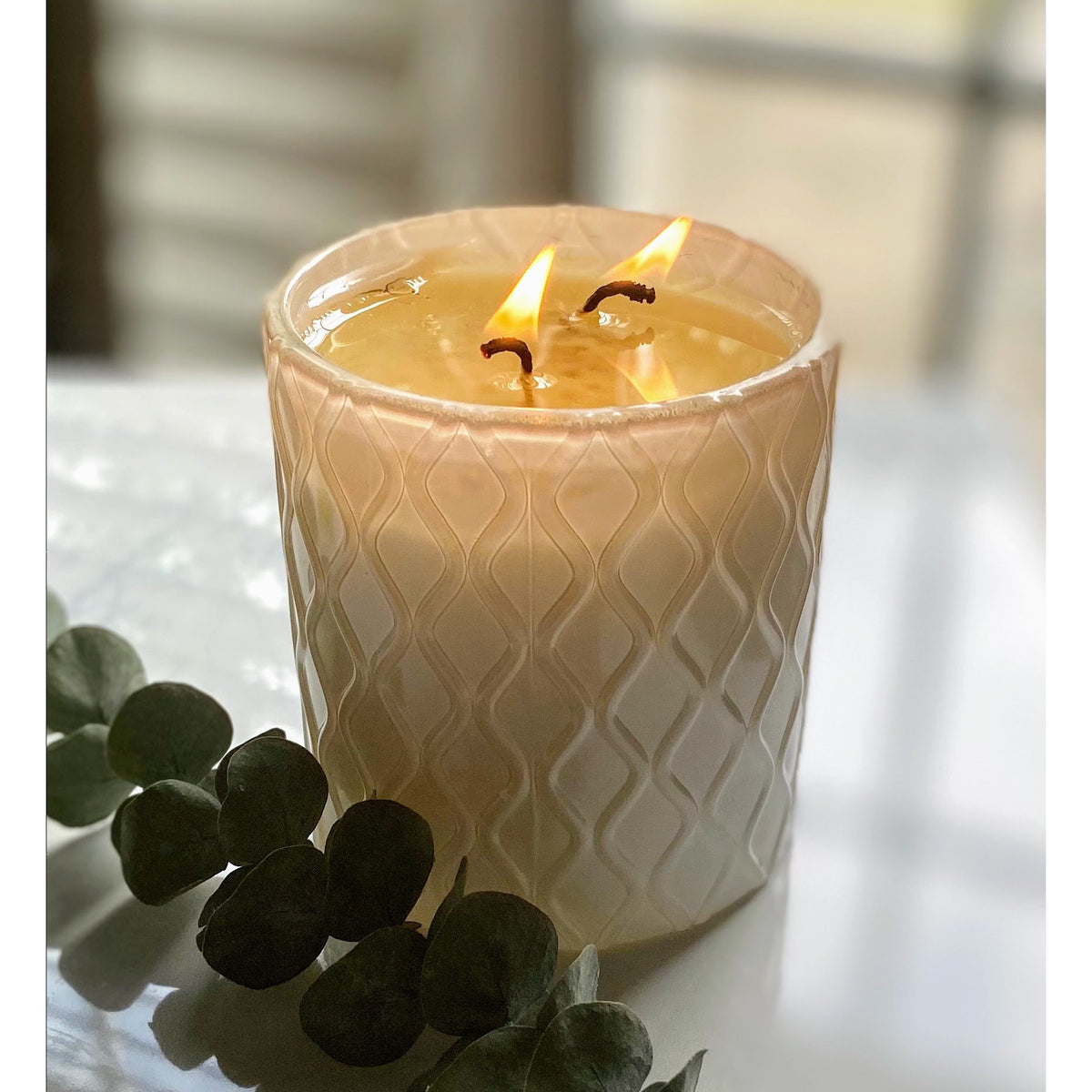 A Mother's Light Luxury Candle