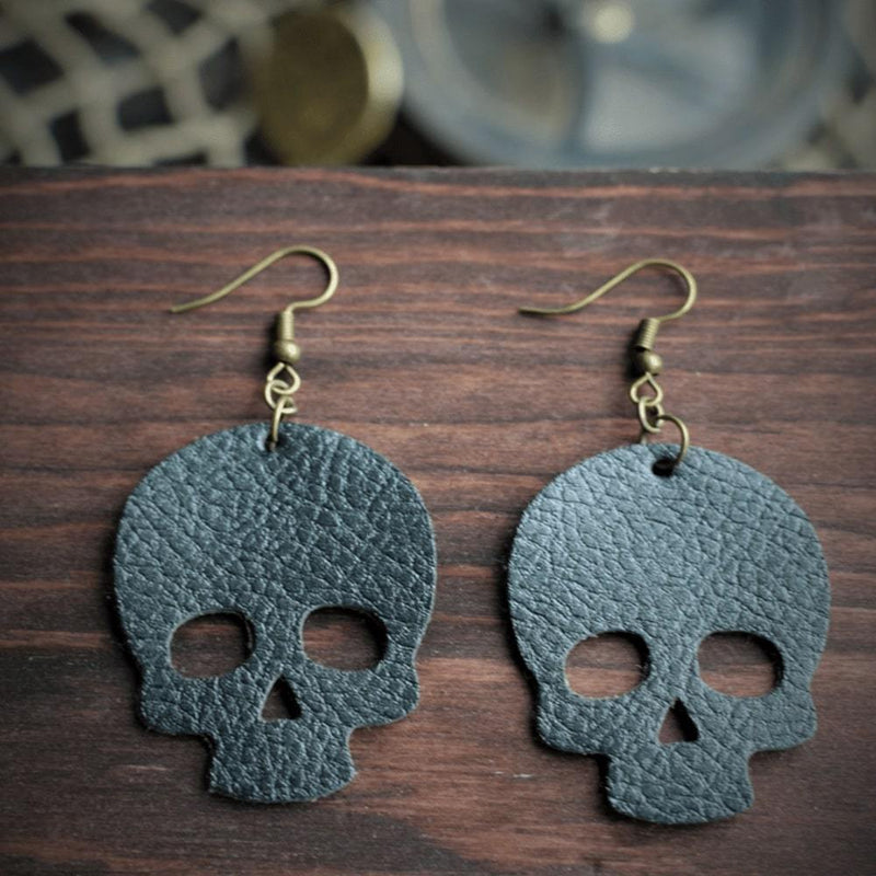 Skull Leather Earrings - Black Pearl