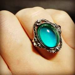 Mood Ring: Meaning of the Colors /  Anillo de humor : Significado de los colores