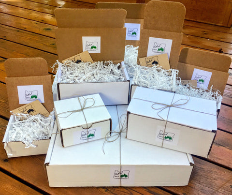 Birthday Birdseed Ornament Gift Box (B) | 1 Hanging Bird Feeders + Personalized Card