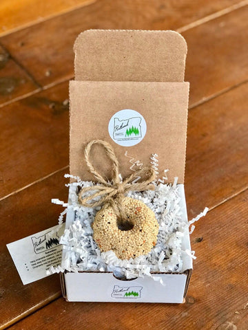 Image of Christmas Birdseed Wreath Ornament Gift Box | 1 Hanging Bird Feeder
