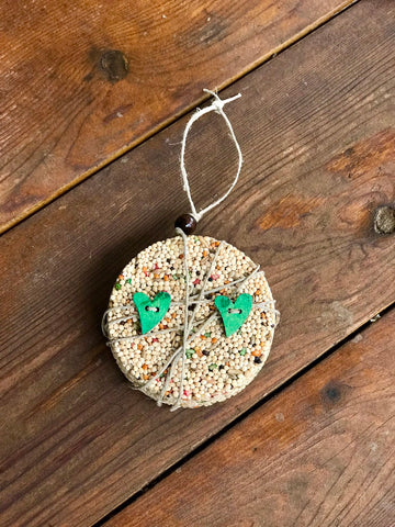 Image of Birdseed Heart Ornament Gift Box (B) | 1 Hanging Bird Feeder + Personalized Card