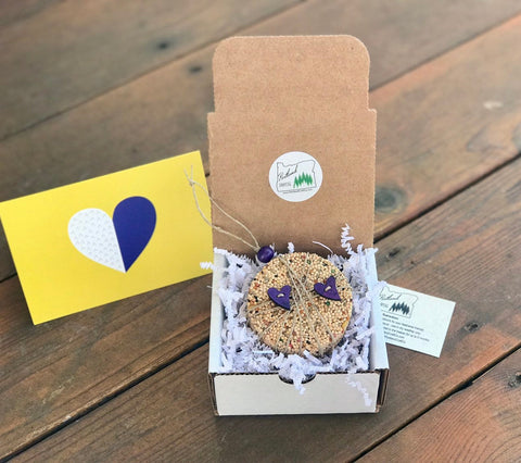 Image of Valentines Day Birdseed Ornament Gift Box (A) | 1 Hanging Bird Feeder + Personalized Card