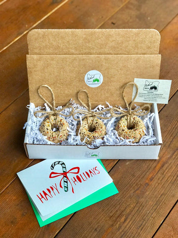 Christmas Birdseed Wreath Ornament Gift Box (A) | 3 Hanging Bird Feeders + Personalized Card