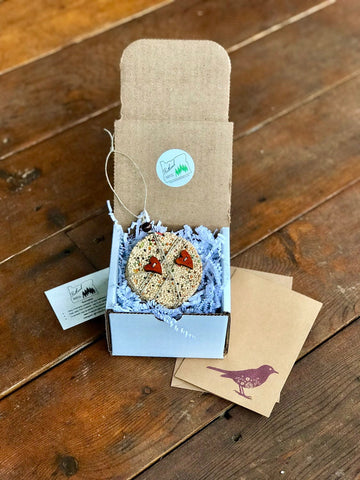 Image of Birdseed Heart Ornament Gift Box (C) | 1 Hanging Bird Feeder + Personalized Card
