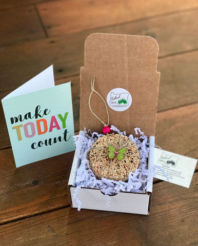 Smile Theme Birdseed Ornament Gift Box | 1 Hanging Bird Feeder + Personalized Card