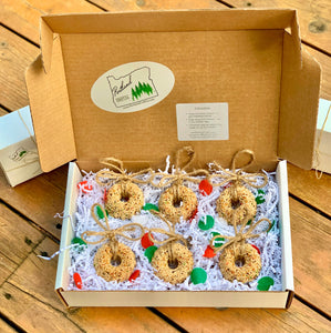 Birdseed Wreath Ornament Gift Box (B) | 6 Hanging Bird Feeders