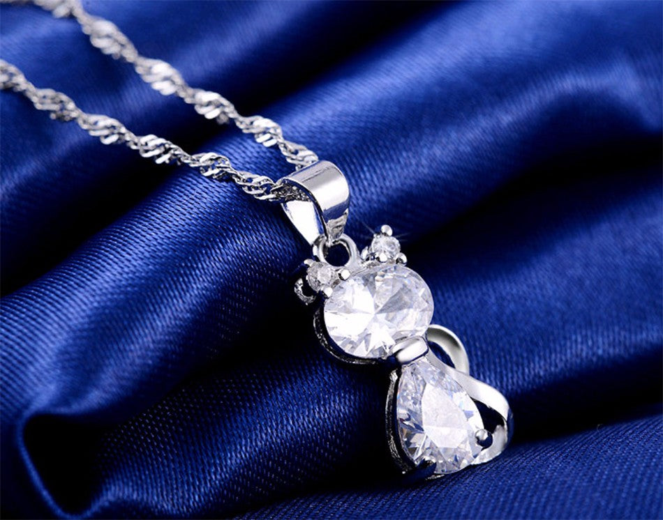 Fashion Jewels Cute Cat Pendants Necklace with 1.8 Carat Austrian Cubic Zirconia Necklace for Women