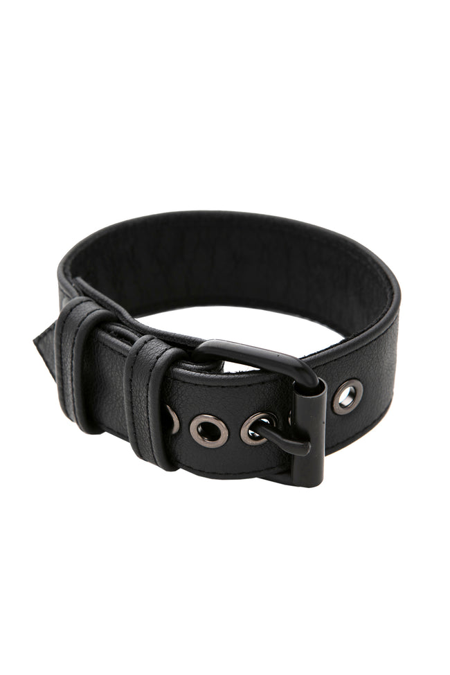 Black leather armband belt with matt black buckle