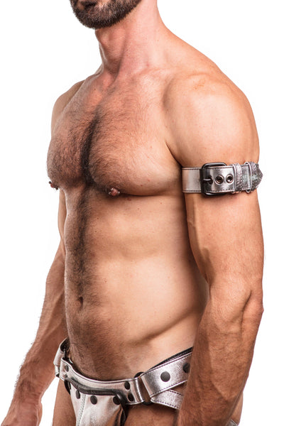 "Model wearing a 1.5"" metallic silver leather armband belt with matt black buckle"