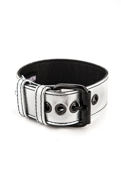 "1.5"" metallic silver leather armband belt with matt black buckle"