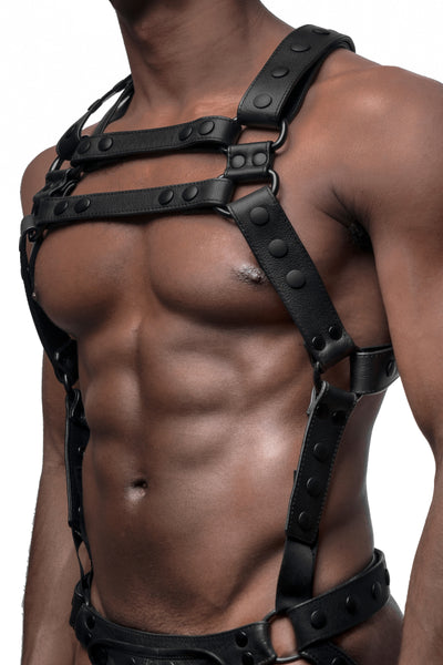 Model wearing matt black universal x harness version 2