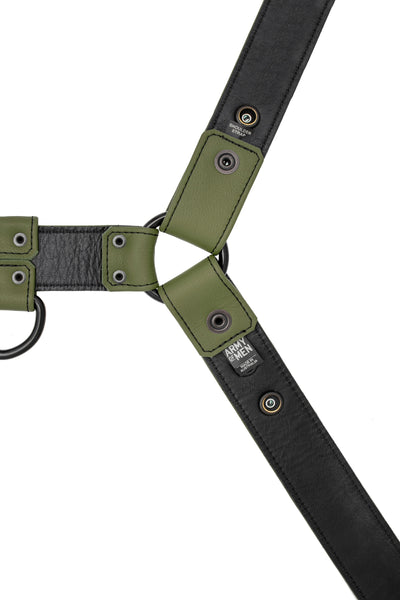 Full army green leather bulldog harness with black hardware. Lining.