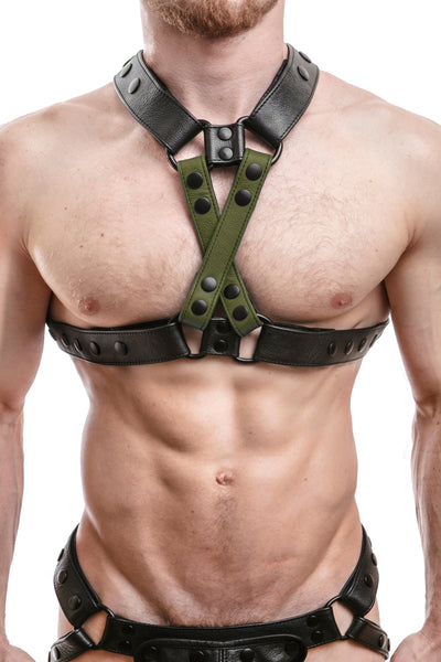Model wearing army green leather universal x harness