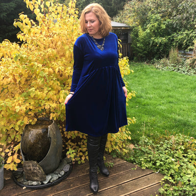 Plus Size Velvet Swing Dress Long Sleeve Front Pockets Widened Back [L1102_ROYALBLUE] - size 16 18 20 22 24 26 28 30 32 34 36 38 40 42 Wolfairy
