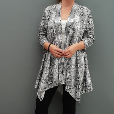 Womens plus size cardigan long sleeves open front handkerchief hem cotton animal print snake [L1089_BLACK] - size 16 18 20 22 24 26 28 30 32 34 36 38 40 42 Wolfairy