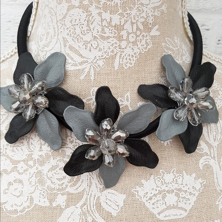 Floral Short Necklace Embellished [L1004_BLACK] accessories Wolfairy