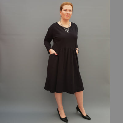Plus Size Jersey Swing Dress Long Sleeve Front Pockets Widened Back Cotton [L1105_BLACK] - size 16 18 20 22 24 26 28 30 32 34 36 38 40 42 Wolfairy