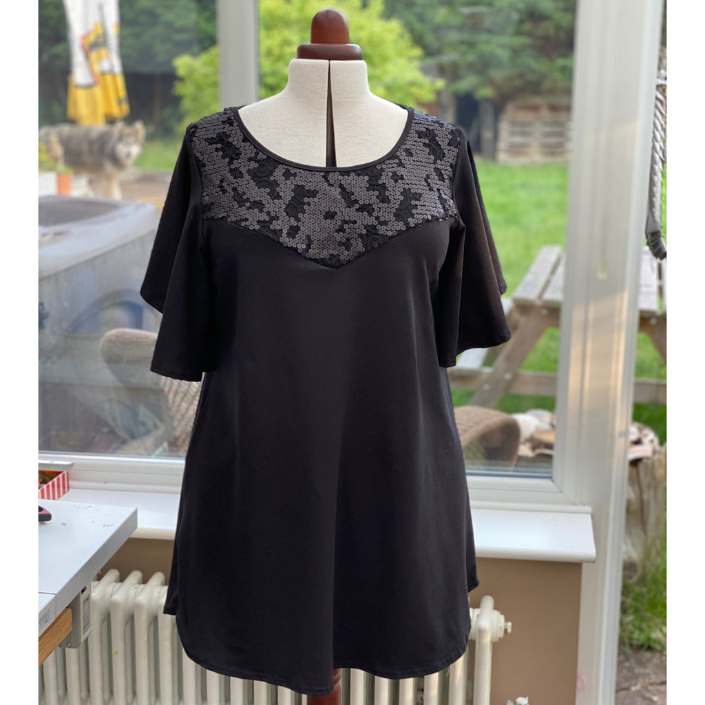 Plus Size Sequin Lace Embellished Cotton Angel Sleeve Longer Top [L1159_BLACK]