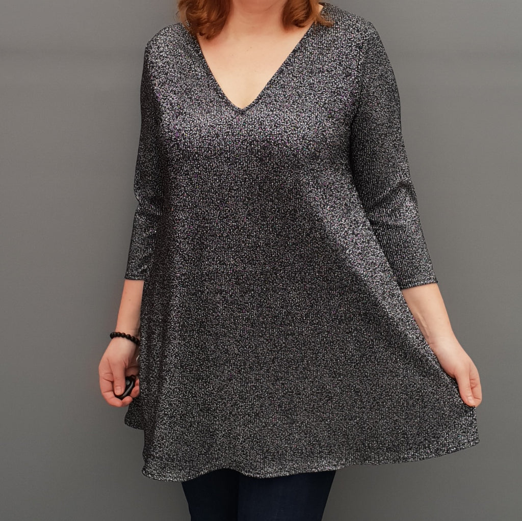 Wolfairy Plus Size V-neck Swing Pleated Stretchy Top Tunic  [L1126_BLACKSILVER]