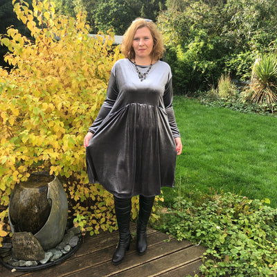 Plus Size Velvet Swing Dress Long Sleeve Front Pockets Widened Back [L1102_GRAPHITE] - size 16 18 20 22 24 26 28 30 32 34 36 38 40 42 Wolfairy