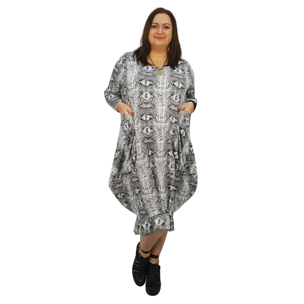 Dress Loose Pockets And Frill Long Sleeve Snake Animal Print Lagenlook Plus Size [L1045_SNAKEBLACK] - size 16 18 20 22 24 26 28 30 32 34 36 38 40 42 Wolfairy