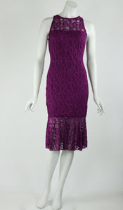 GOLDIE Fitted Lace Dress Magenta