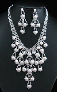 Drag Queen Crystal Faux Pearl Necklace Earrings Set XS1147
