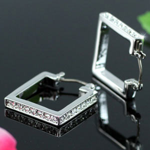 Square Earrings use Swarovski Crystal XE267