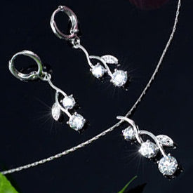 2 Carat Flower Created Diamond CZ 18K RGP Necklace Earrings Set XN184