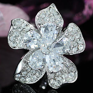 Jumbo Queen Flower Ring use Swarovski Crystal XR120
