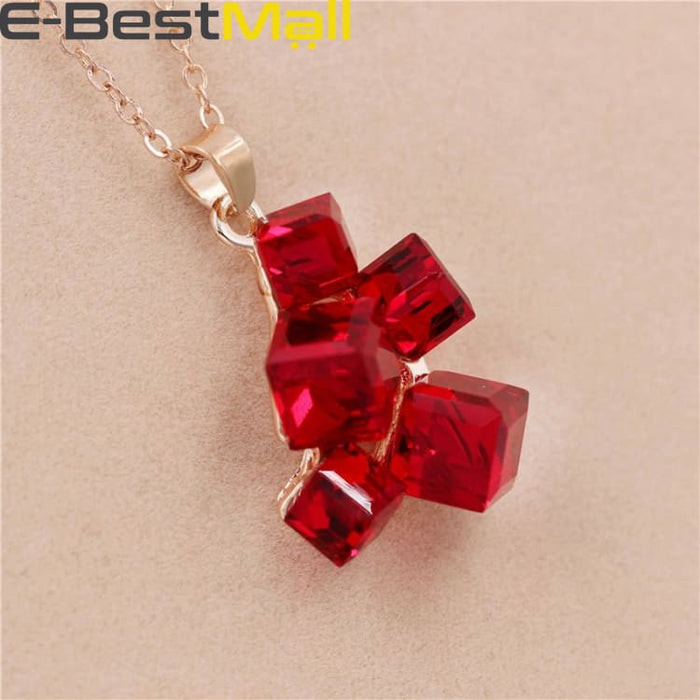 Nice red sparkly cubes - Necklace - Necklace