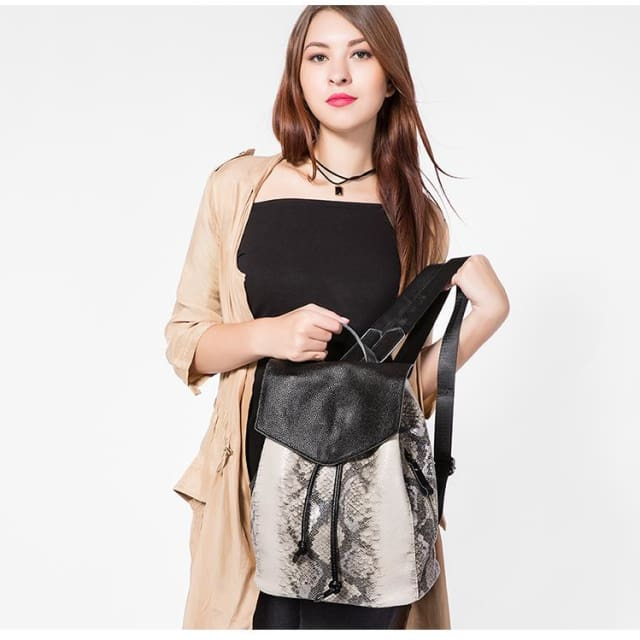 Womens backpack serpentine prints drawstring - Backpacks