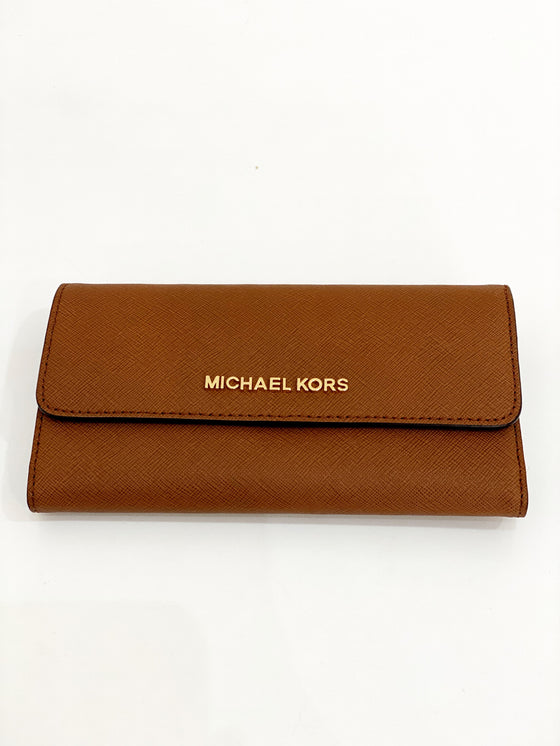 Michael Kors Large Trifold Purse In Luggage