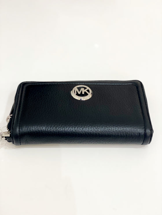 Michael Kors Flat Multifunction Phone Case Wristlet In Black (Silver Hardware)