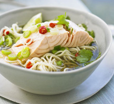 Ramen noodles with chilli salmon