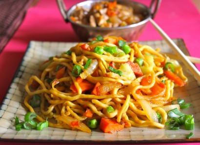 Chili Chicken and Spicy Vegetable Lo Mein