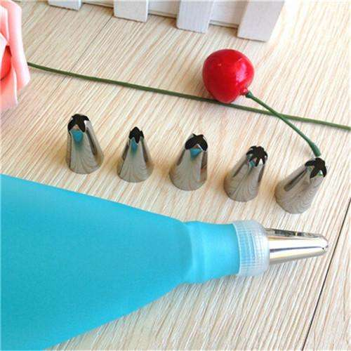 8 PCS Set Silicone Piping Cream Pastry Bag + 6 Stainless Steel Nozzle Set