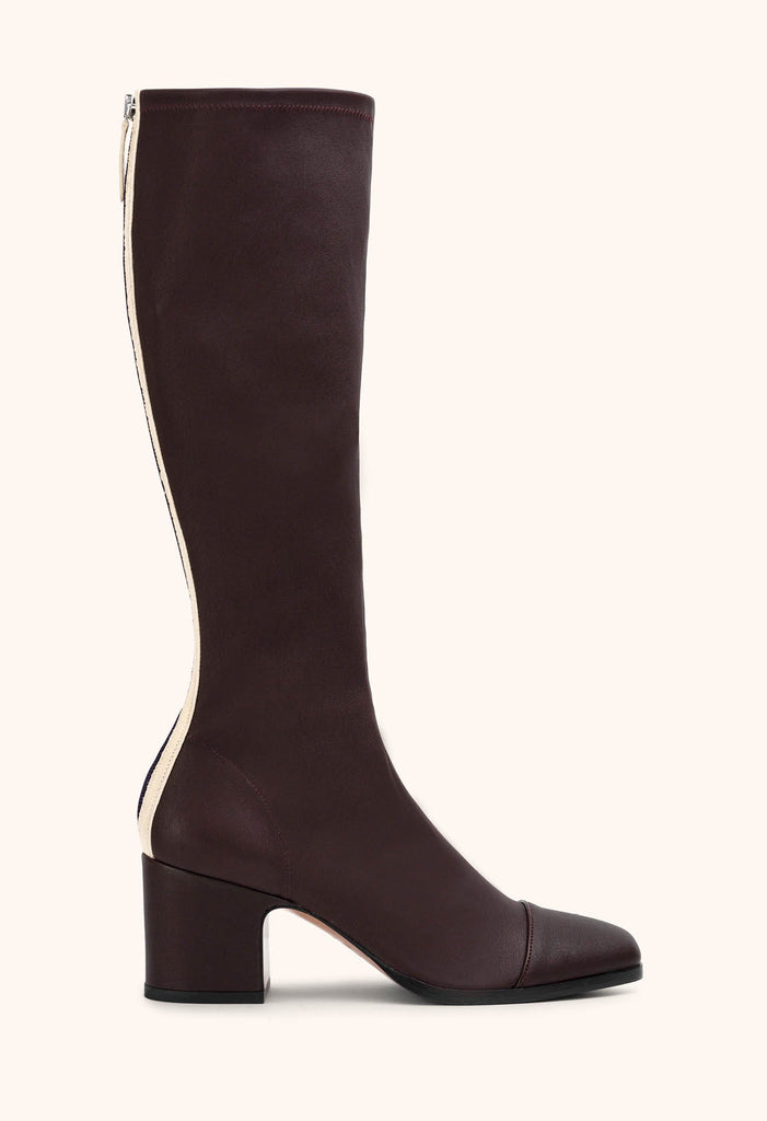 Twist boot in Aubergine stretch nappa