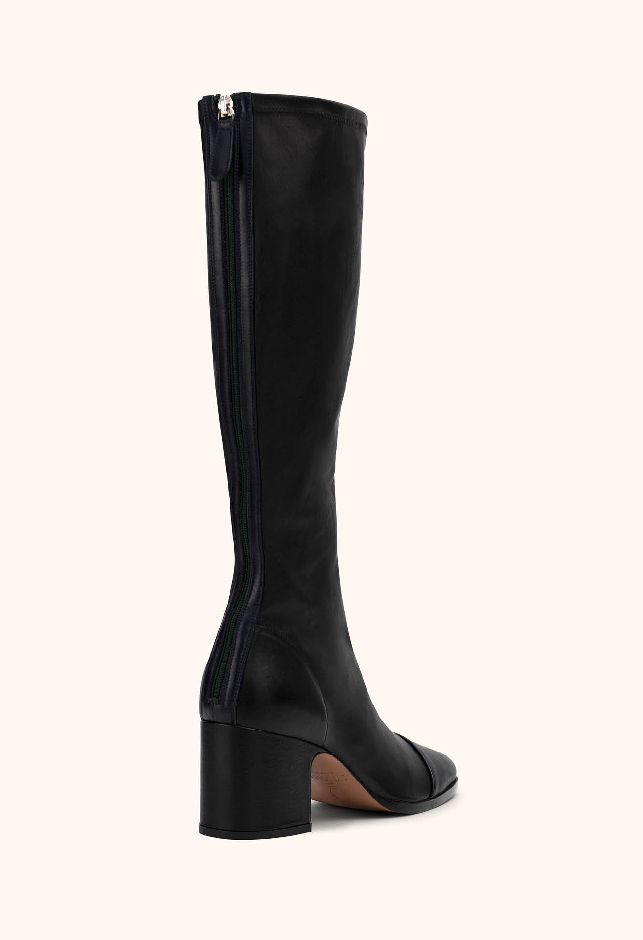 Twist boot in Black stretch nappa
