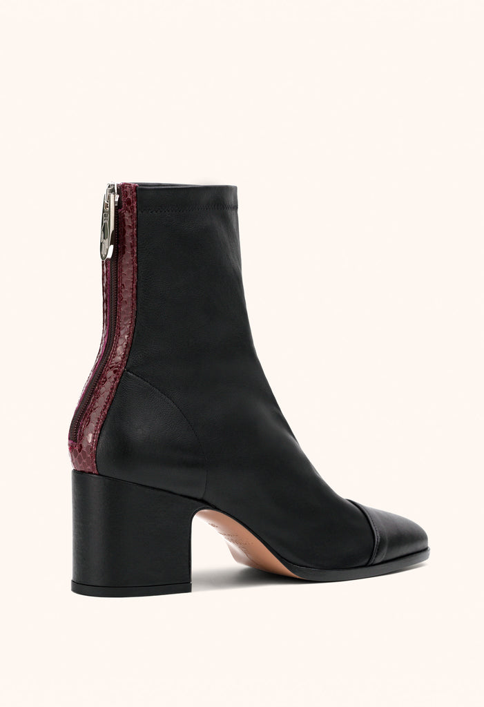 Aria ankle boots in black stretch nappa