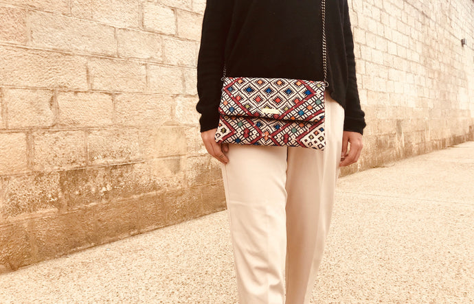 Clutch Kilim Kariaa, made in Morocco, en vente chez Dar D'art Le Collectif