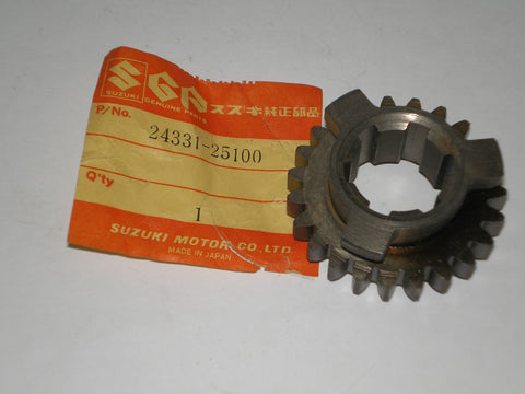 SUZUKI TC90 TC100 1970-1977 Third Driven Gear 24331-25100