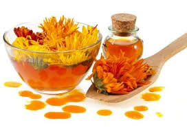 Calendula oil- Soap making oil- Lotion making supplies - Lux Natures Soaps & Skincare