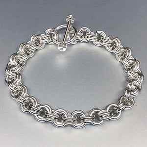 Seaxwolf handcrafted chunky sterling silver double link chain with designer clasp for men and women.